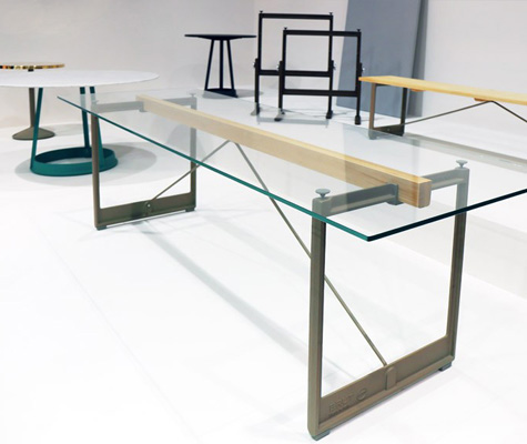 Table Brut par Konstantin Grcic