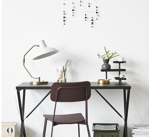 Tray Schreibtisch