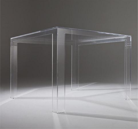 Invisible Tisch
